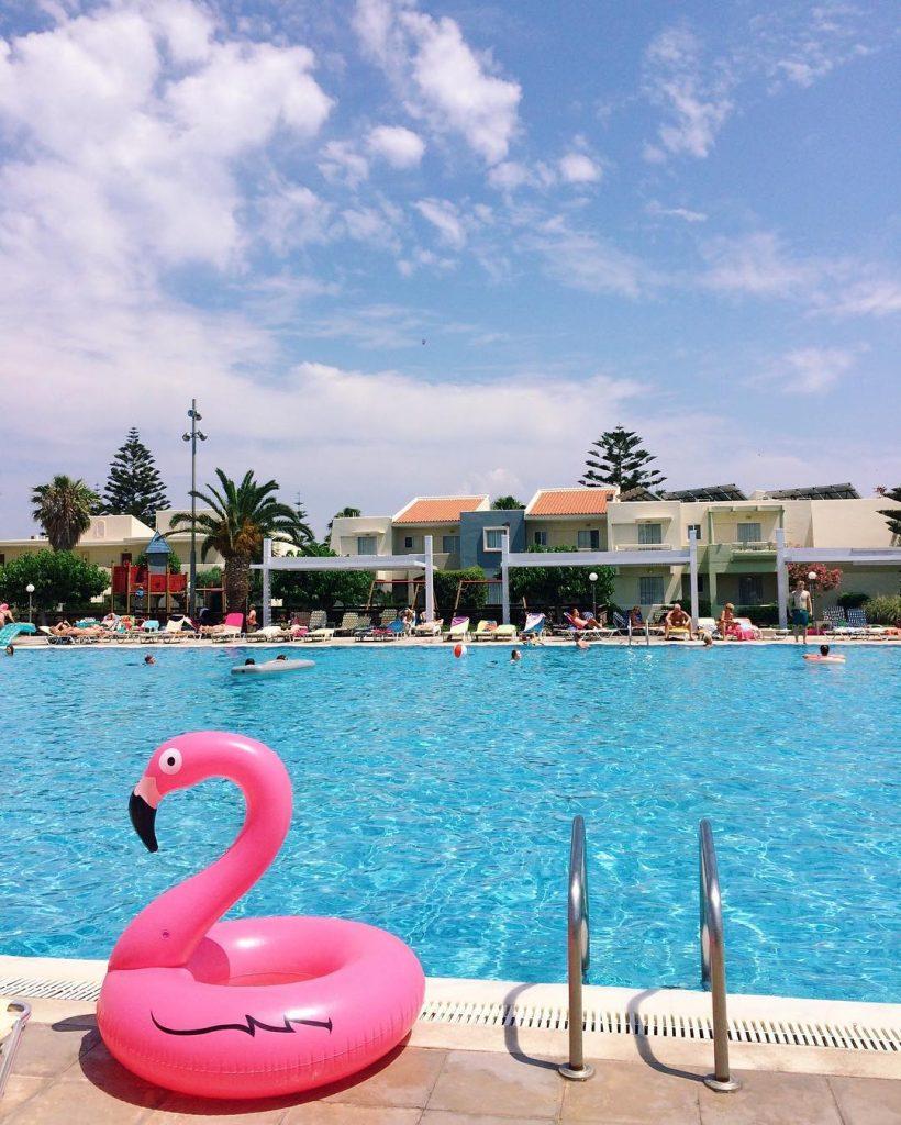 That inflatable flamingo lifestyle julialvinagreece